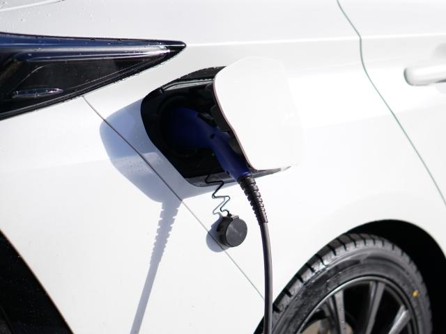 ハイブリッド車充電